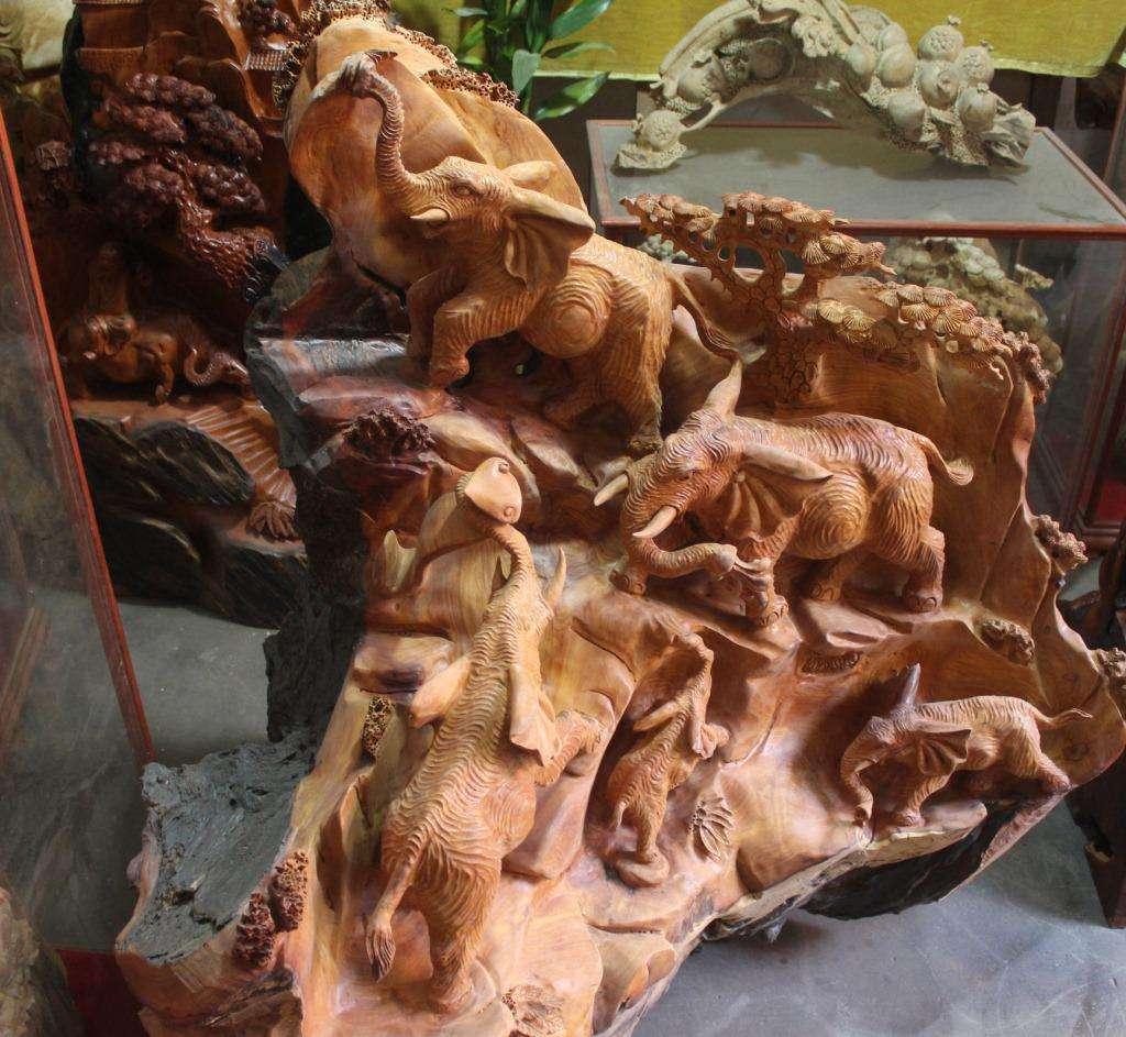 传统工艺雕刻.jpg