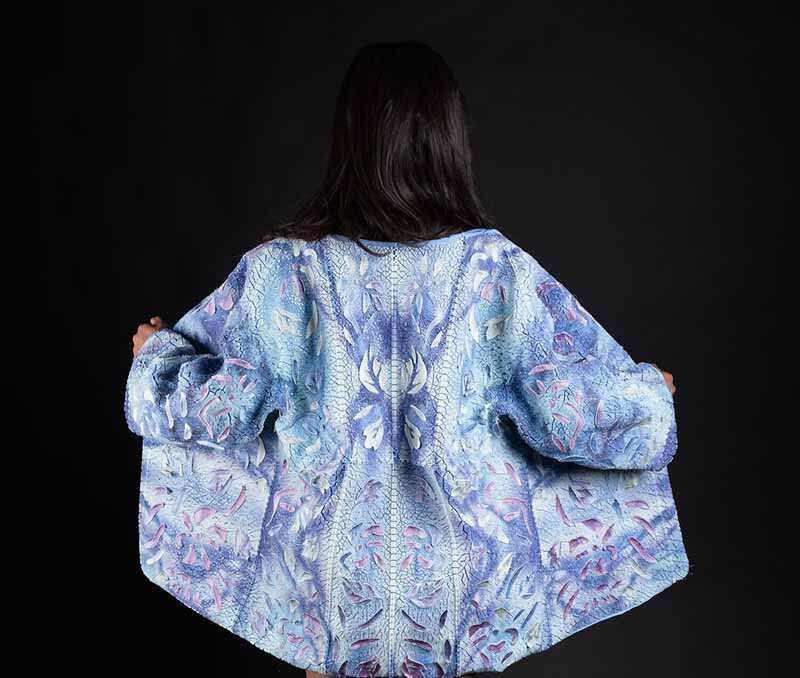 与Stratasys合作将3D多色印花和服从传统IKAT编织中汲取灵感,直接印在织物上。图片由Ganit Goldstein提供2.jpg