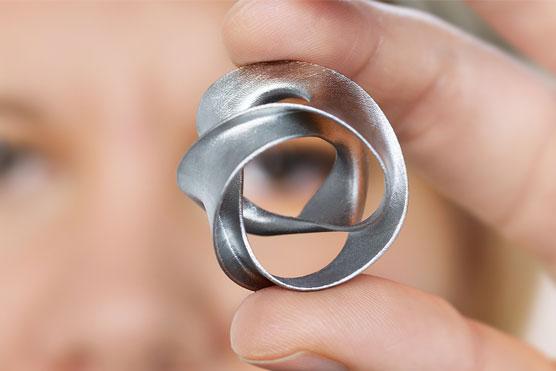 您可以使用金属3D打印技术创建复杂的几何体.png